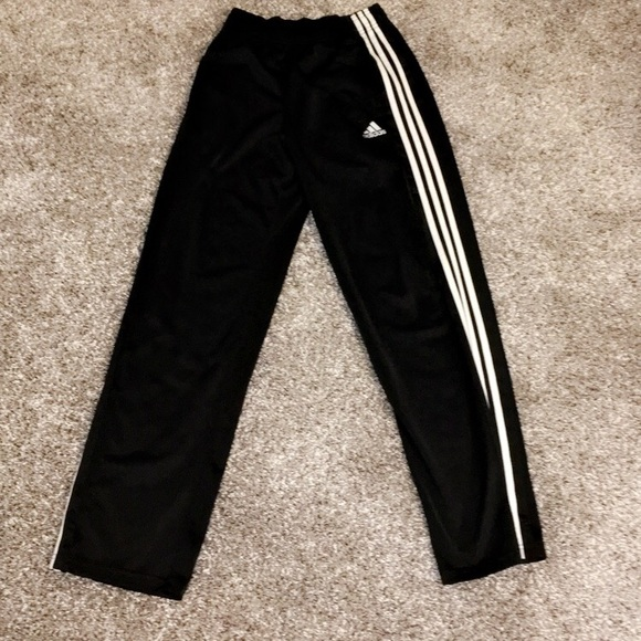 adidas Other - Addidas sweatpants in perfect condition men's S